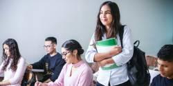 Le gouvernement assouplit l'accès à la Garantie jeunes et renforce le budget des Missions locales